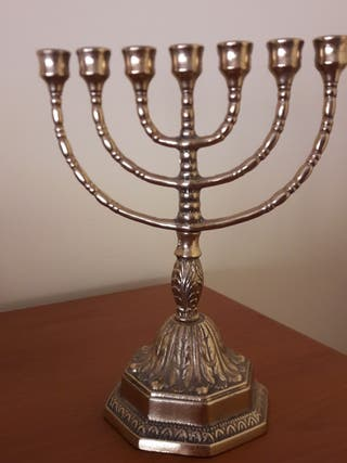 Candelabro judío Menorah
