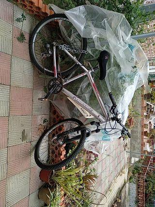 Bicicleta para reparar. Urge vender