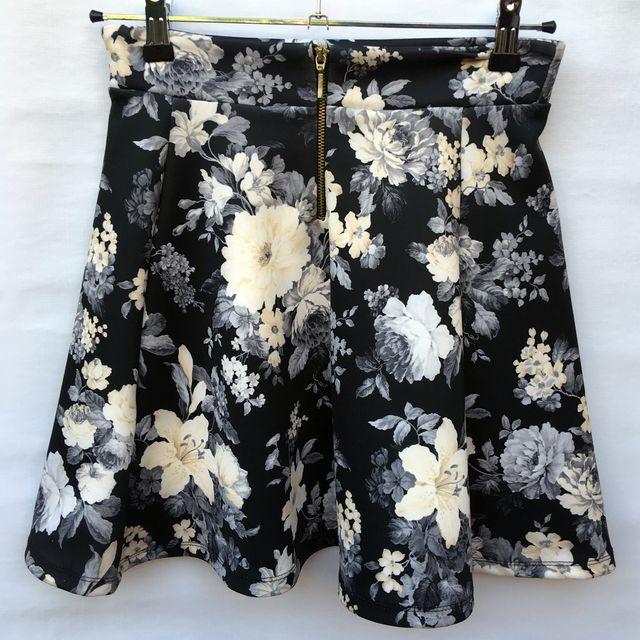 Falda de neopreno flores
