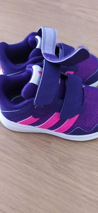 Zapatillas Adidas niña talla 22