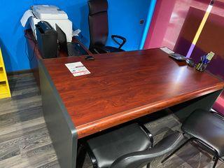 Mesa despacho con ala