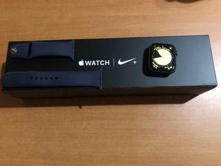 Apple Watch series 4 44mm nike+ negro