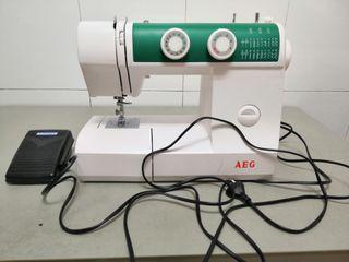 maquina de coser AEG