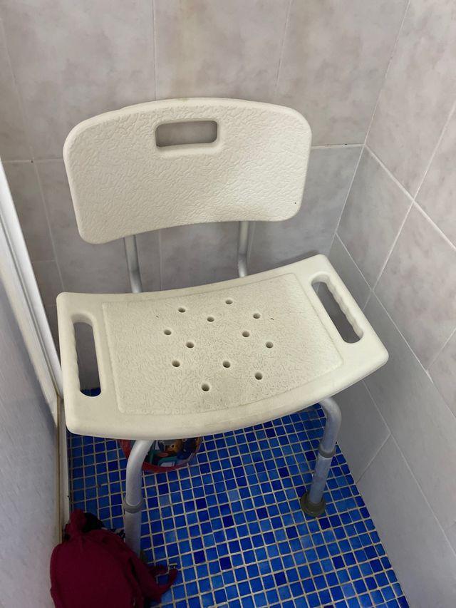 Silla para ducha y baño de ancianos