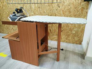 Mueble con tabla de plancha