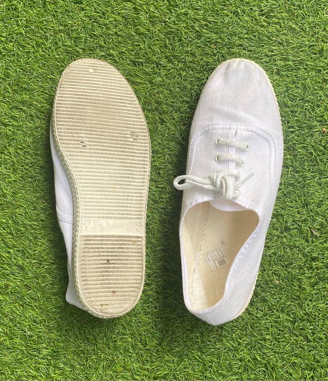 Zapatillas blancas tipo Victoria