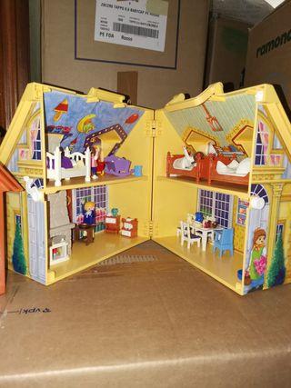 casa y granja maletin de playmobil