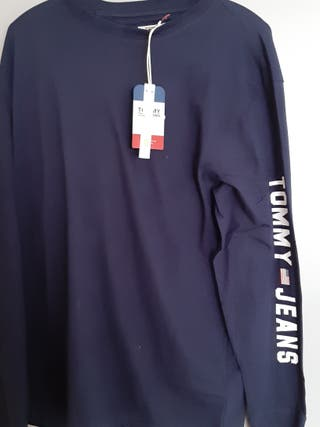 sweat Tommy hilfiger neuf.