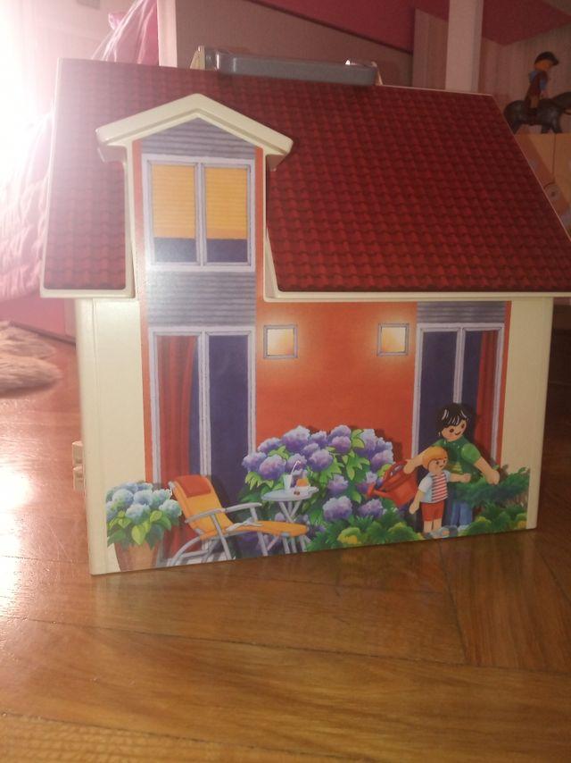 Playmobil maletín casa de muñecas