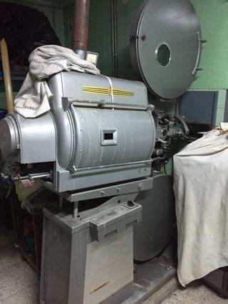 Maquina/proyección Cine antiguo