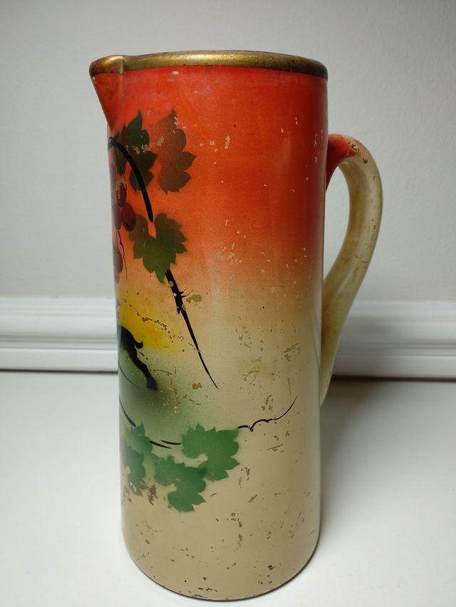 Jarra de vidrio o cristal pintada a mano