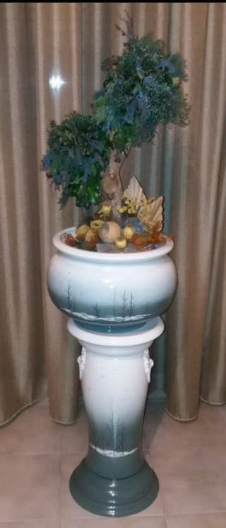 Macetero grande con pedestal vintage