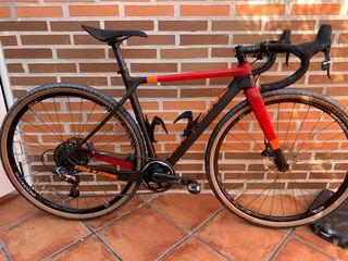 Bicicleta gravel carbono