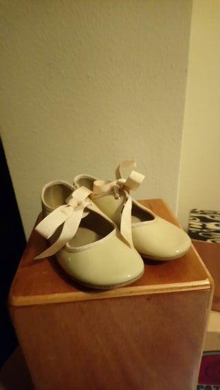zapatos beige número 26