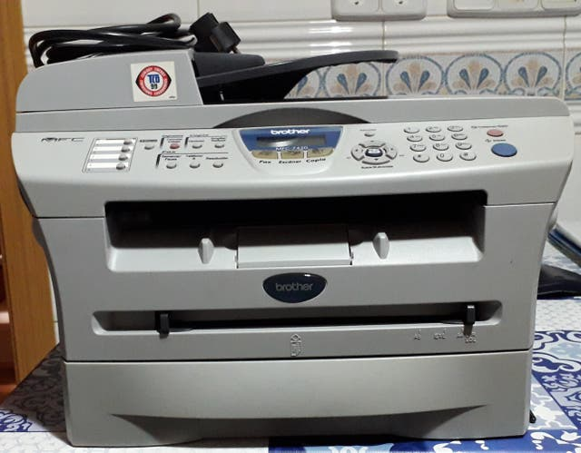 Impresora Brother MFC-7420
