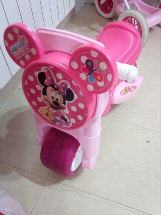 moto correpasillos Minnie con claxon