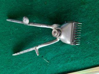 Maquinilla antigua de barbero