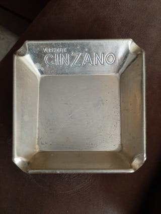 Cenicero Cinzano Vermouth
