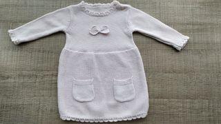 Vestido de punto hecho a mano rosita T:9-12 m.