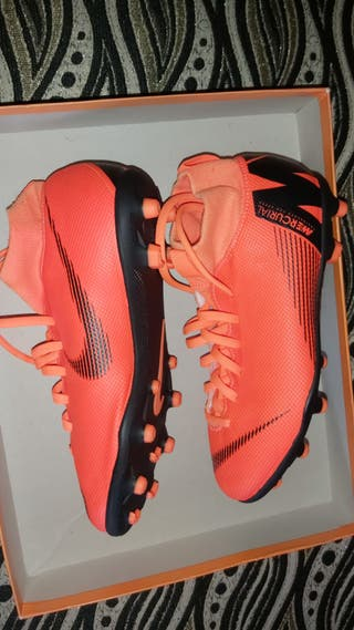 botas de fútbol Nike mercurial nuevas