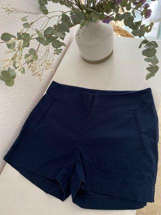Pantalón corto tiro alto