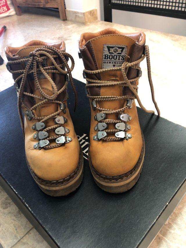 Botas de piel de montaña