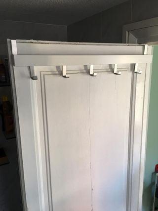 Colgador para puertas o pared
