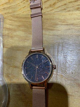 Nuevo, reloj mujer Bershka