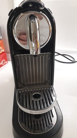 cafetera Nespresso Delonghi Citiz averiada