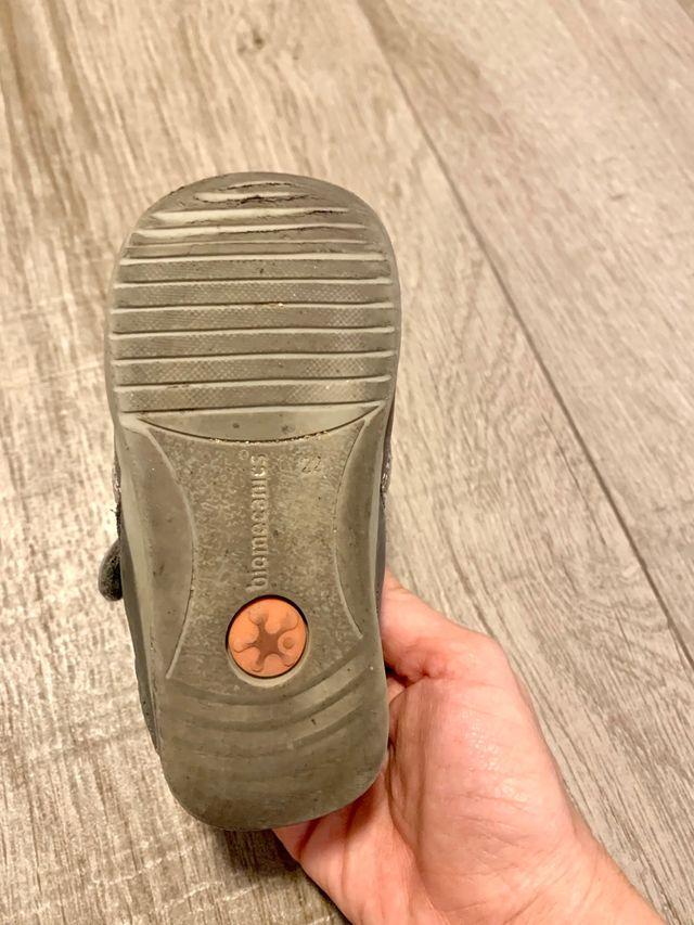 Zapatos de Biomecanics