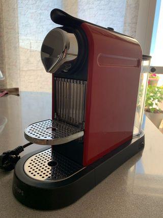 Cafetera Nespresso De'Longhi Citiz Roja