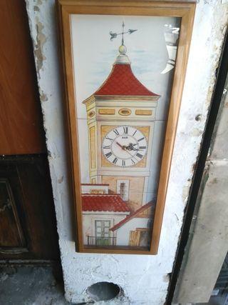 reloj de azulejos