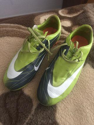 Botas de fútbol Nike Mercurial de segunda mano en la