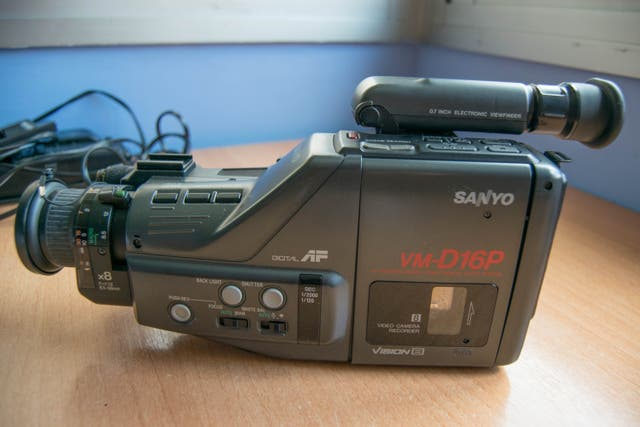 Cámara de video analógica SONY + Casete Hi8
