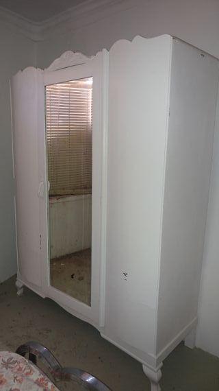 armario antiguo pintado