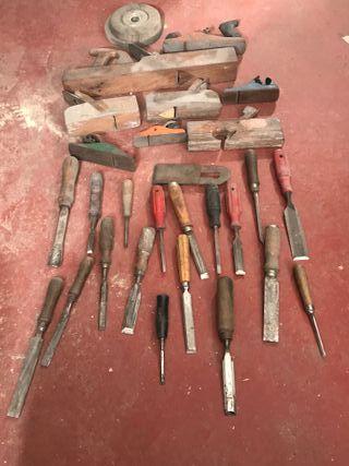 Cepillos y formones de carpintero