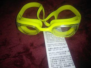 gafas de buceo y cascos