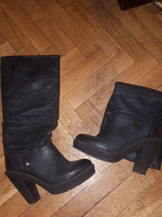 botas altas negras con tacón medio talla 38