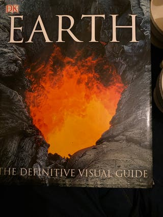 EARTH , THE DEFINITIVE VISUAL GUIDE