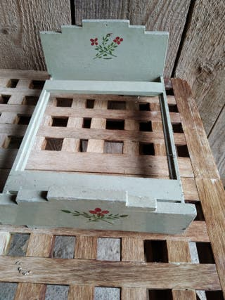 cama antigua de madera de juguete