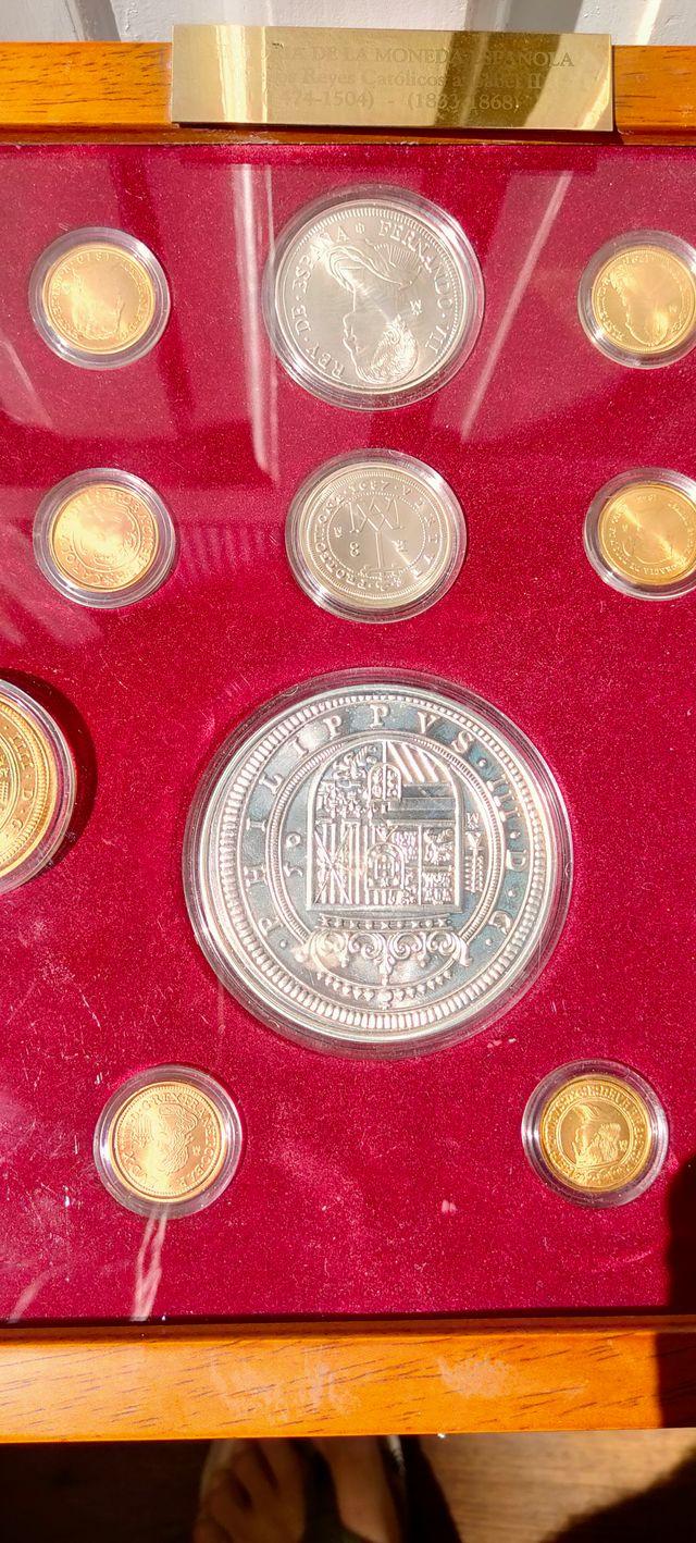 17 Monedas chapadas en Oro y Plata Reyes Católicos