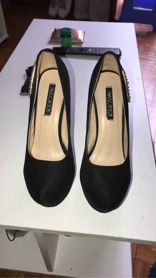 Zapatos de tacón altos
