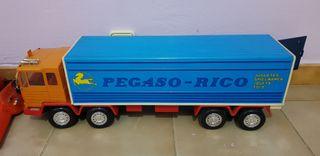 Trailer juguete, Pegaso-Rico