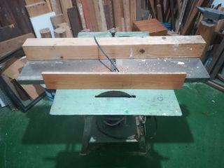 Cepilladora, regruesadora, cortadora de madera.