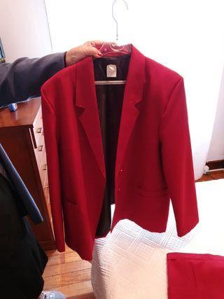 traje chaqueta y falda talla 52