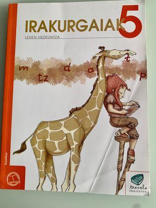 """Libro lecturas euskera """"Irakurgaiak"""". 5° primaria"""