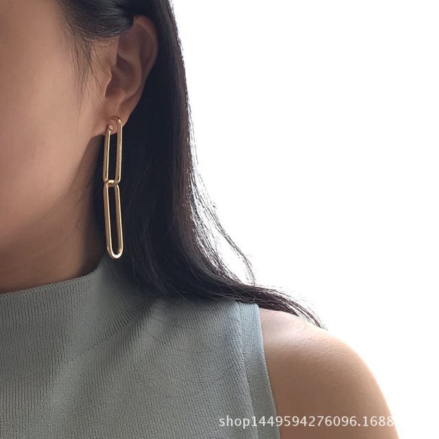Gold texture china shaped drop earring