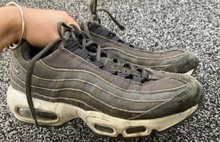 Air max 95s size 5