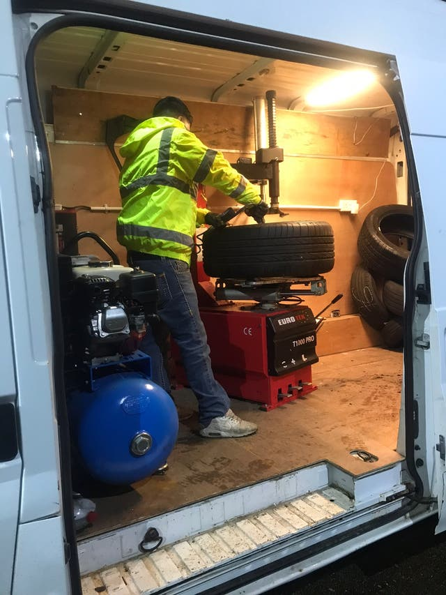 24hr Mobile Tyre Fitting service