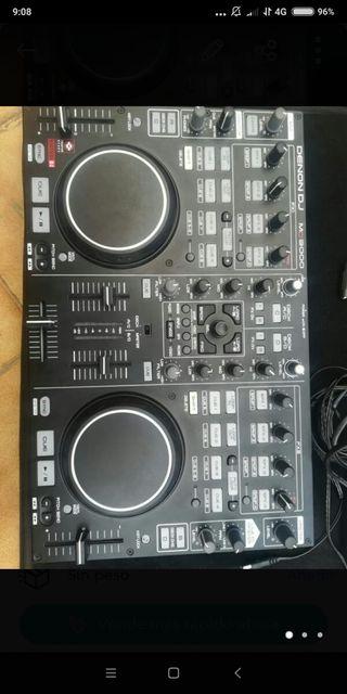 Controladora DENON DJ MC 3000 y funda